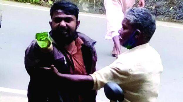 Muslim driver beaten and looted by cow vigilantes, booked by police later -  Shafaqna India | Indian Shia News Agency